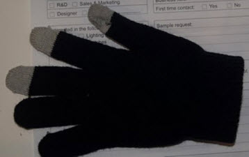 kmft_iphone_glove